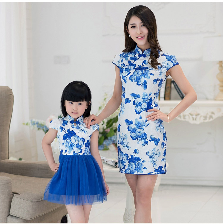 Retro dress Blue and white porcelain cheongsam Vintage design family look dress for mother and daughter Family Matching Outfits(China (Mainland))