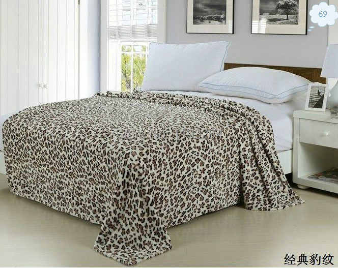 Free shipping Hot sales 2015 new fashion modern Leopard warm blanket coral fleece blanket quilt bedspread bed sheet 150*200c m(China (Mainland))