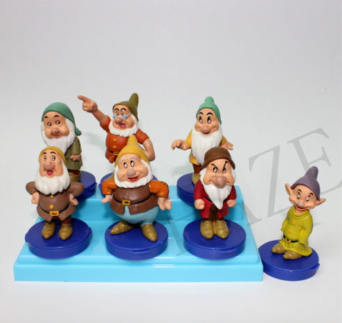 Fairy tales SNOW WHITE SEVEN DWARFS FIGURE Rubber Figurines Vintage(China (Mainland))