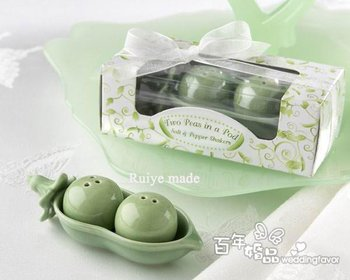 10sets/lot Peas party Favor gifts kitchen accessory Ceramic Salt Pepper Shakers Set