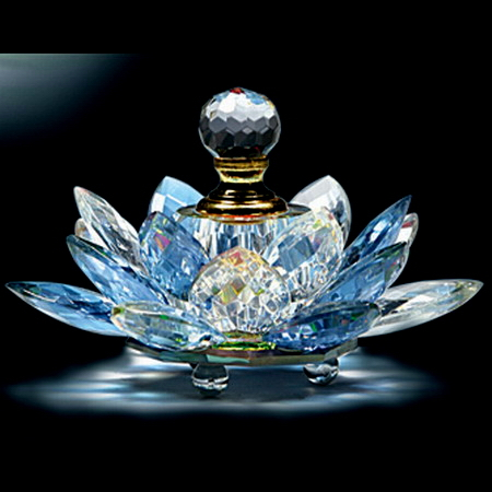 2015 New Design Selling well all over the world crystal perfume bottle(China (Mainland))