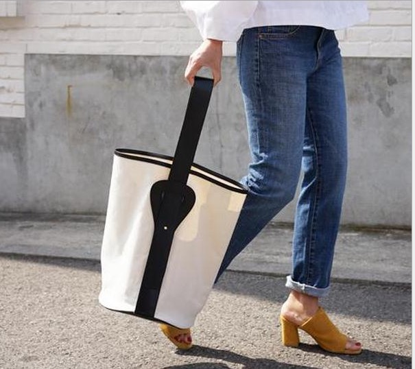 2016 hottest summer fashion white casual canvas white black contrast shoulder bag white canvas bucket bag(China (Mainland))