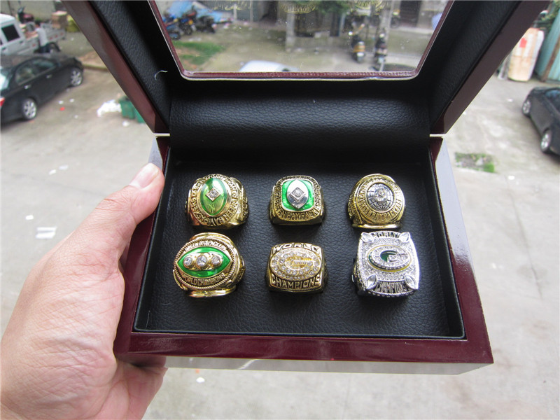 Free Shipping1961 1965 1966 1967 1996 2010 GREEN BAY PACKERS CHAMPIONSHIP RING 1 set six together high quality with wooden box(China (Mainland))