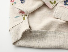 Retail 2016 spring and autumn new children s clothing girls sweater flowers primer shirt round neck