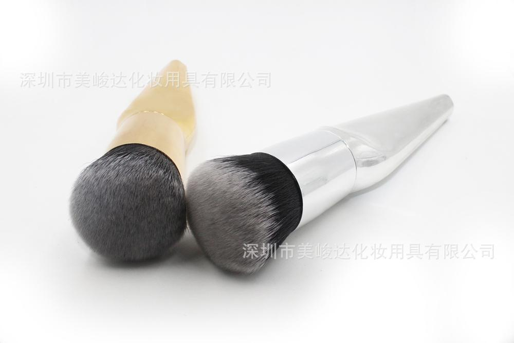 The metal single brush makeupbrush BB cream and silver beauty tool factory direct