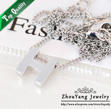 ZYN140 Letter-H 18K  Platinum Pated Pendant Necklace Jewelry Austrian Crystal  Wholesale(China (Mainland))
