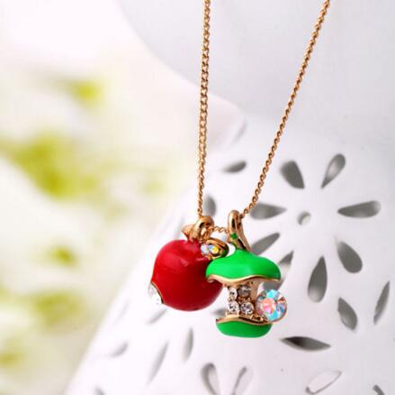 Korean Exquisite Fashion Green Red Lovely Girls Gift Crystal Apple Choker Necklace V1769(China (Mainland))