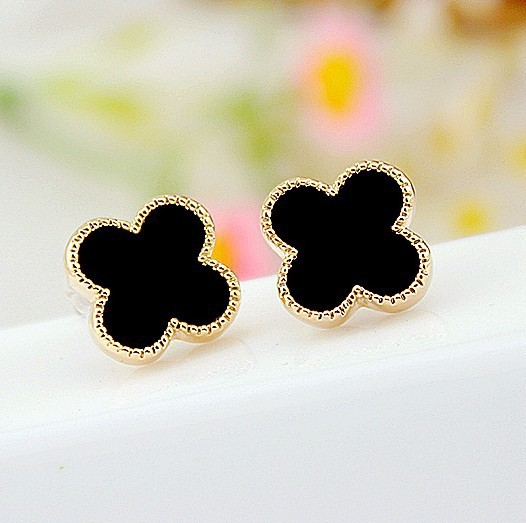 2Colors 2015 New Fashion Korean Simple Clover Earring 18K Gold Plated Stud earrings for women wholesale High Quality XY-E527(China (Mainland))