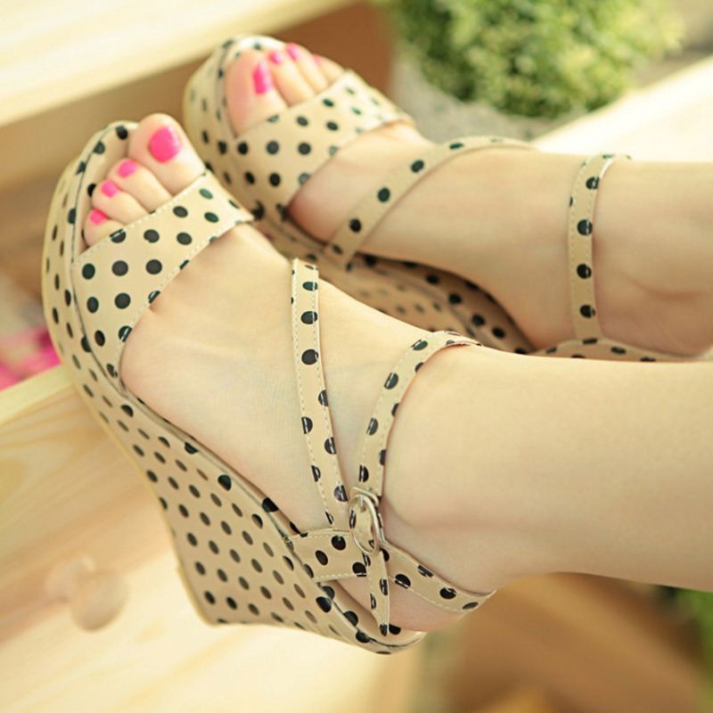 Kadın Marka Ayakkabı Yeni Tasarım Moda Ayak Bileği Kayışı Takozlar Sandalet Platformu Takozlar Ayakkabı Yüksek Topuklu Sandalet Boyutu 34-39 PA00781