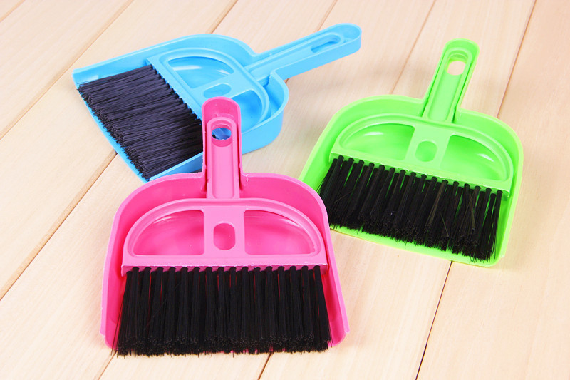 Litter Sweeper/Scoop Pet Cleaning Tool Plastic Broom sweeping 19.5cm * 12.5cm Dog House Dustpan(China (Mainland))