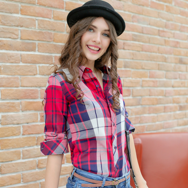 They know that women like to feel attractive and well put together. When it comes to women's button down shirts, maurices has the shirt for you. Choose from a wide assortment of denim shirts, flannel shirts and plaid shirts for a look that empowers style and fashion.
