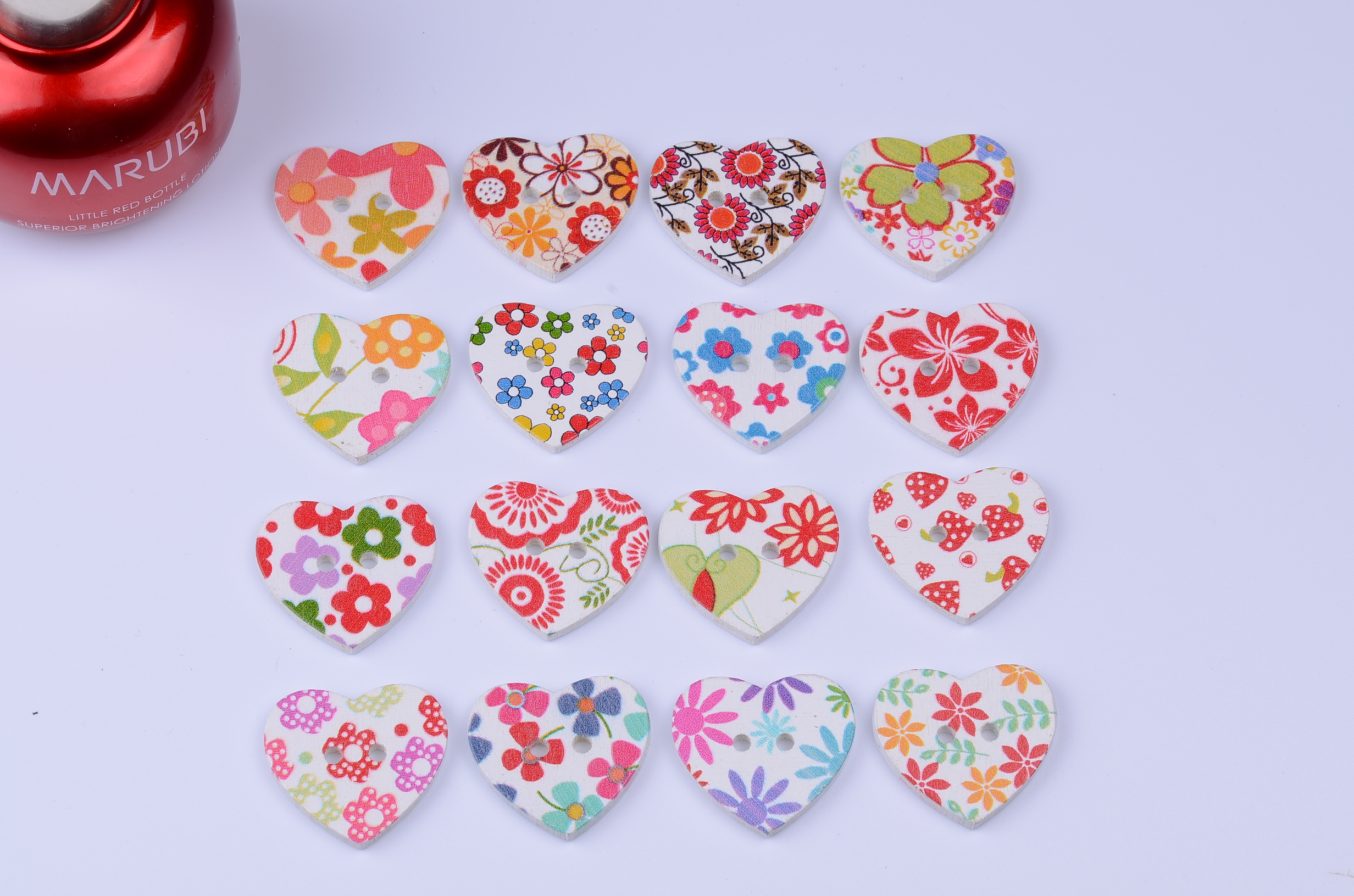 2015 NEW 50PCS flower painting wooden buttons 25mm Heart-shaped wood button mixed combination Clothing accessories botones(China (Mainland))
