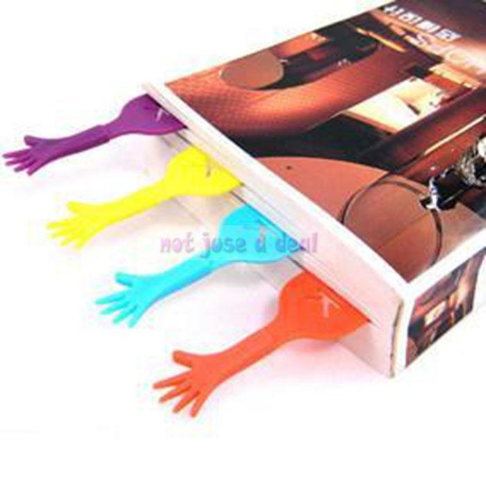Гаджет  4PCS Lovely HELP ME Hand Bookmark Stationery Ducument Novelty Book Marker Label  None Офисные и Школьные принадлежности