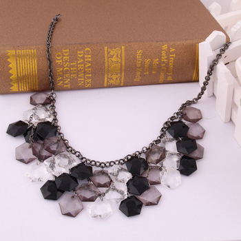 Factory direct selling  exaggerated necklaces multilayer candy color resin female short  fashion jewelry necklace