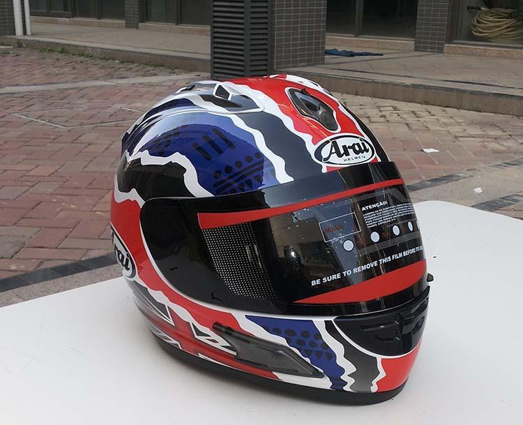 Motorcycle helmets new arai helmet doohan top helmet and the four seasons to keep warm(China (Mainland))