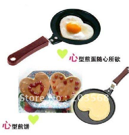F85 Mini Lovely Heart Shaped Egg Pancake Fry Frying Pan Kitchen Non-Stick Cook Pan(China (Mainland))
