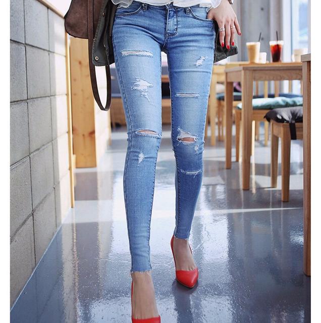 Новинка 2015 мыть узкие джинсы отверстие женщины Большой размер тонкие эластичные ...