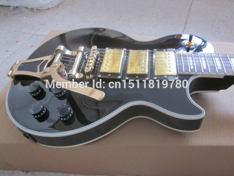 Electric guitar free Shipping Musical Instrument New Gib Lp Custom Beaty Electric Guitar/with big tremolo Guitarra/ebony Oem(China (Mainland))