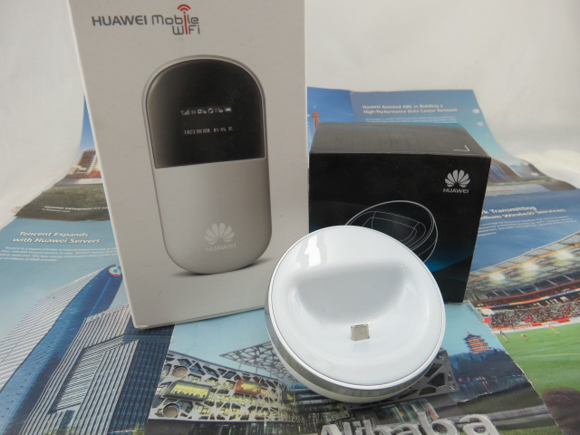 Unlocked Huawei E586 21.6Mbps 3G Wireless Wifi Router pocket Mifi Router 3G Modem with Dock Station(China (Mainland))
