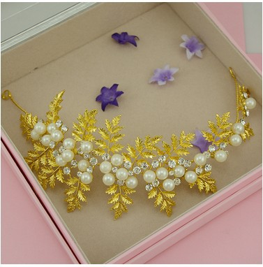 2015 Jewelry and America hairpins hair wedding accessories gilded Bride crown(China (Mainland))