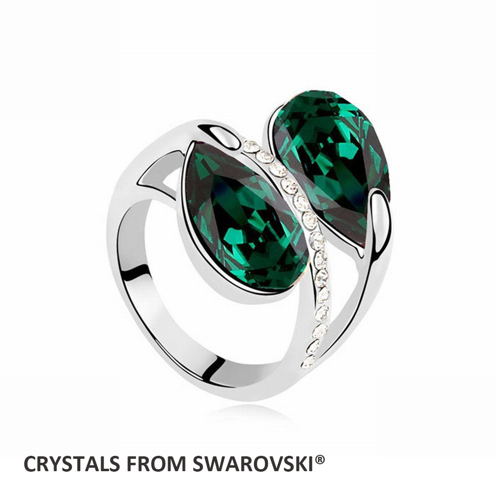 2016 fashion imitation charming emerald ring with