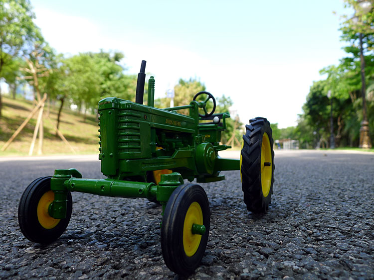 KNL HOBBY J Deere Farm tractor alloy toy automobile mannequin US Safety Act ERTL 1:16 Specials