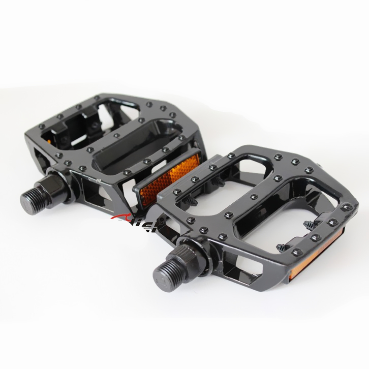 BMX Parts Bike Pedals Lightweight Aluminum Alloy Road Mountain MTB Bike Pedal Bicycle Accessories(China (Mainland))