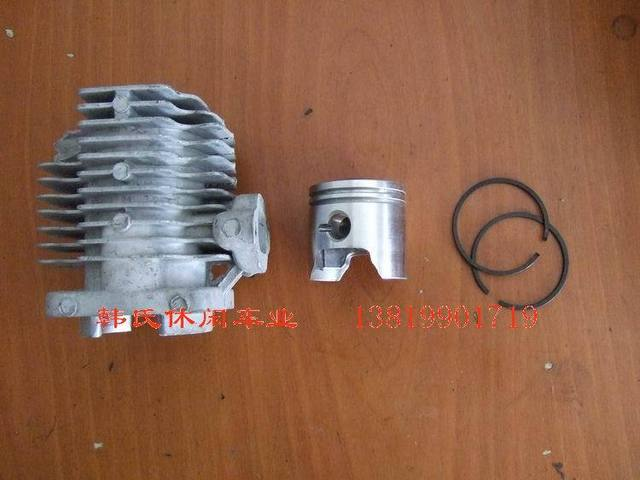 Small sports car engine cylinder piston ring