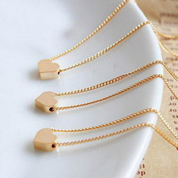 X039 Free Shipping Women Accessories Heart Necklace Short Design Chain Gold Necklaces & Pendants(China (Mainland))