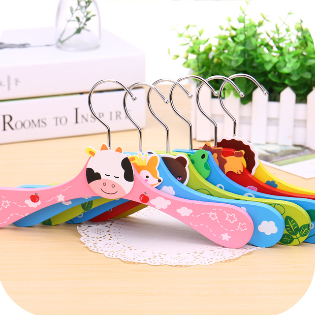 Free shipping wooden eco-friendly good quality child kid pet baby clothes hanger cute cartoon animal stainless colorful rack