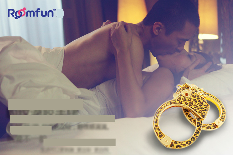 Simulation packages mailed in 2016 new alloy leopard glue handcuffs Mens and womens sexual stimulation adult SM toys products<br><br>Aliexpress