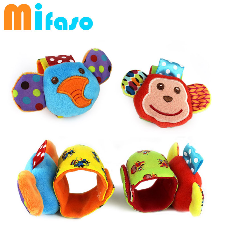 Infant baby toys bebe rattles/socks 2 pcs/set can make sound cute toy for baby boy and girl kids toy gift(China (Mainland))