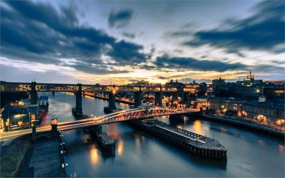 Building Tyne Bridge Newcastle England River Tyne night city bridge river 4 Sizes Home Decoration Canvas Poster Print(China (Mainland))