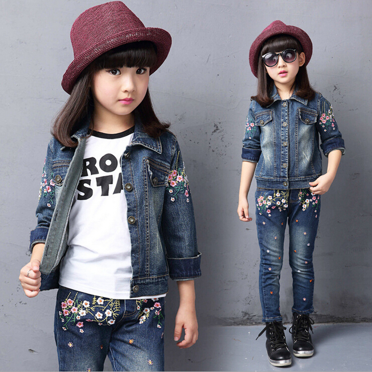 2015 New Autumn Girls Cartoon Jeans Suit Baby Kids Sets Cardigan Korean Childrens Clothing for Girls<br><br>Aliexpress