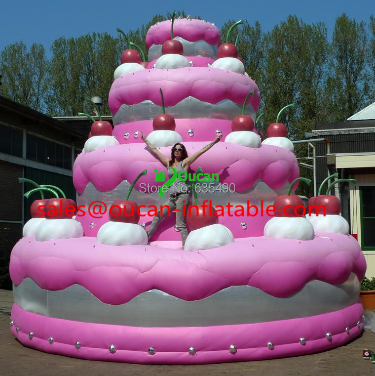 The Biggest Cake In The Whole Wide World