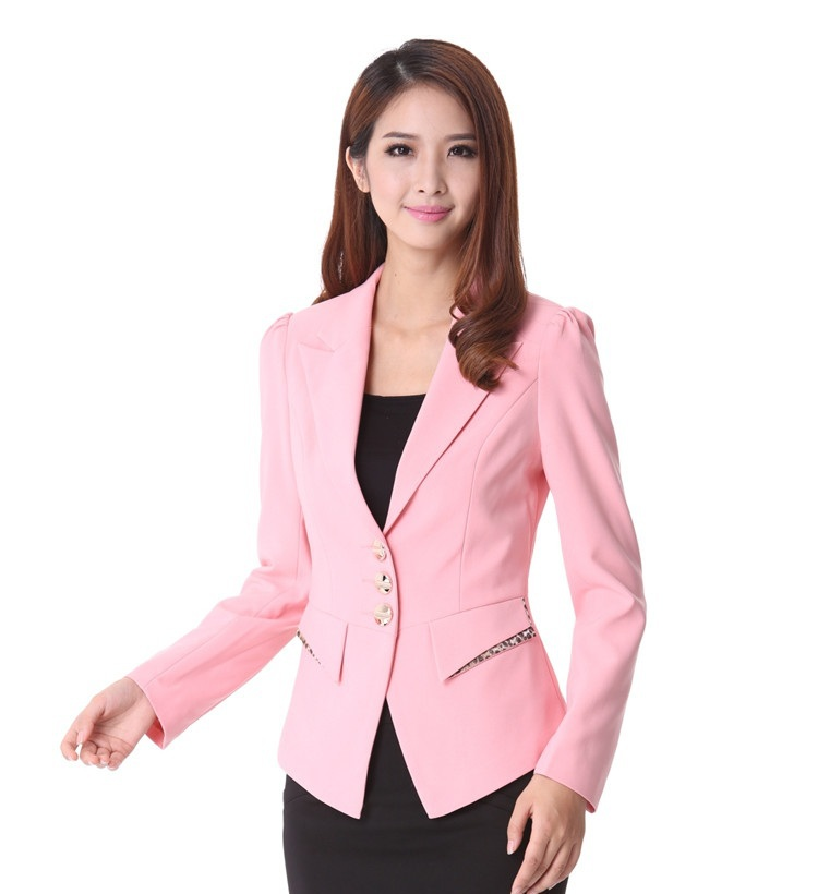 For easy casual choices, check out cute blazer jackets to layer over tops. Find fitted designs, which feature unique details like cropped cuts, one-button fronts or ruched sleeves. Or go for the looser fit of boyfriend blazers, open-front styles or draped designs. Get prepped out with the scholarly touch of structured designs.