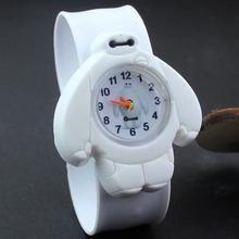 10 colores nueva venta caliente electrónicos digitales niños del cuarzo del silicón bestia cuerpo de marines Baymax reloj de dibujos animados con caja de reloj W157704