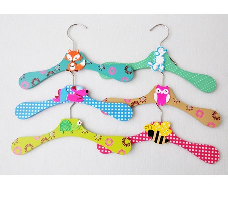 New Arrival lovely Wooden children cartoon clothes hangers Clothes tree coat hanger 6 designs mixed 12 pieces/lot(China (Mainland))