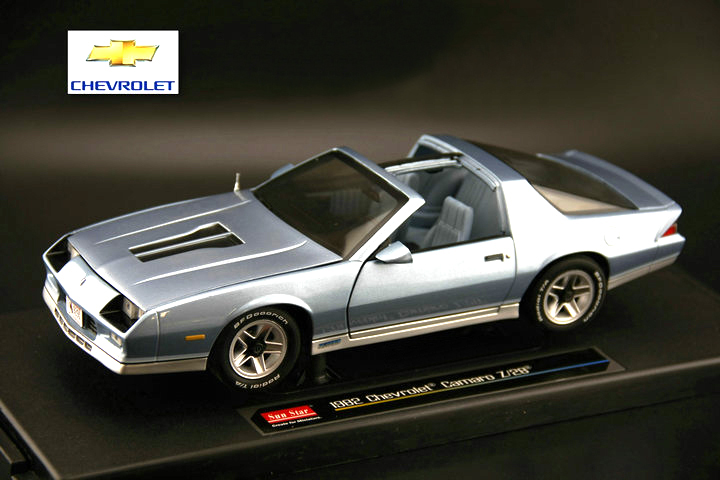 Rare sunstar 1:18 1982 CHEVROLET CAMARO Z28 Retro car model Alloy car models Favorite Model<br>