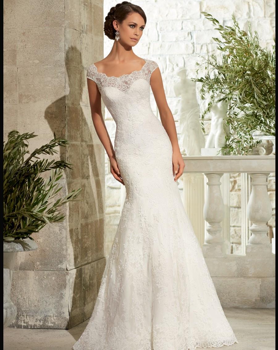 Newest cap sleeve lace wedding dress sexy mermaid scoop for Mermaid wedding dresses on sale