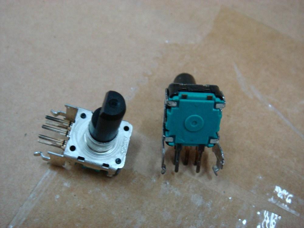 Здесь можно купить  [BELLA]Car audio volume potentiometer encoder ALPS EC12 -belt press switch Horizontal 24 points - Axis 17MM--10PCS/LOT  Электронные компоненты и материалы
