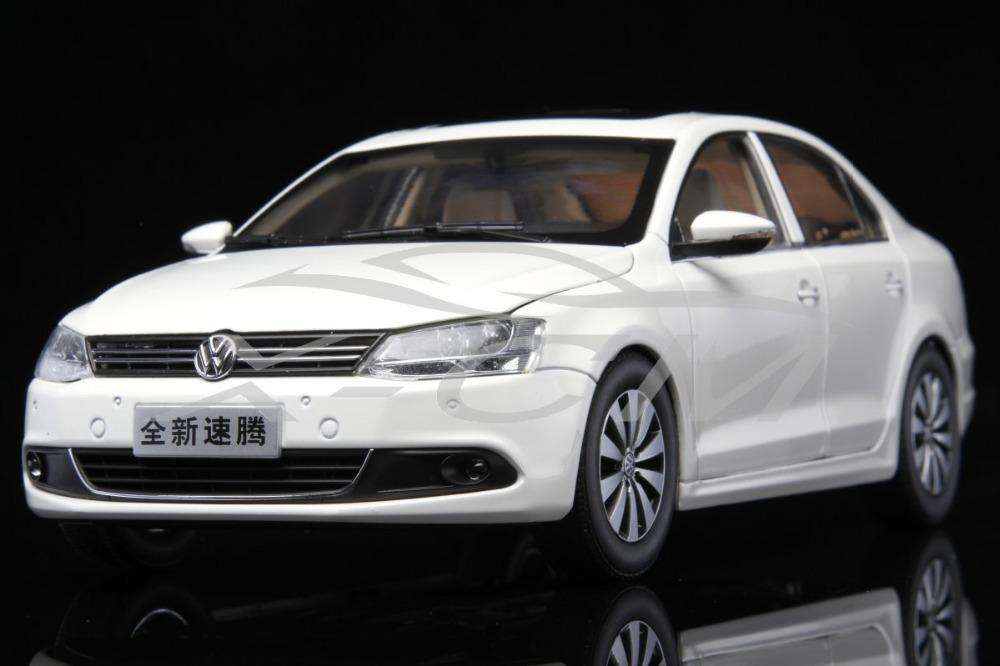 Diecast Car Model 1:18 New Volkswagen Sagitar (White) + SMALL GIFT!!!!!!!(China (Mainland))