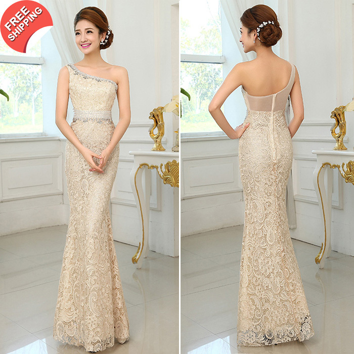 Платье с одним плечом