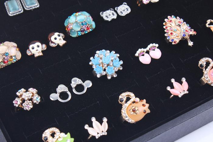 Large ring display box high grade safety fast shipment guarantee 35*24*3 cm ,100 units, 390 g boite a bijoux caixa anel(China (Mainland))