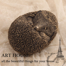 handmade retro cute little hedgehog sculpture small resin ornaments gifts creative vintage home accessories decorations(China (Mainland))