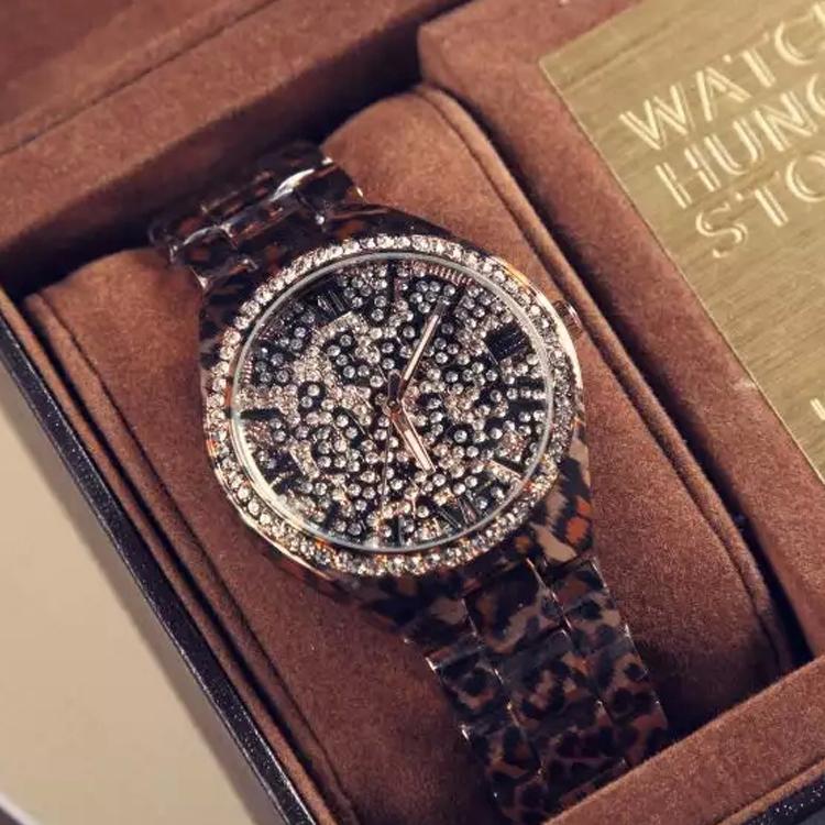Top Brand Luxury Brand Leopard Watch Women Wristwatches Ladies Watch Rhinestone Watches Gold Quartz Clock Relogio Feminino WQ205(China (Mainland))