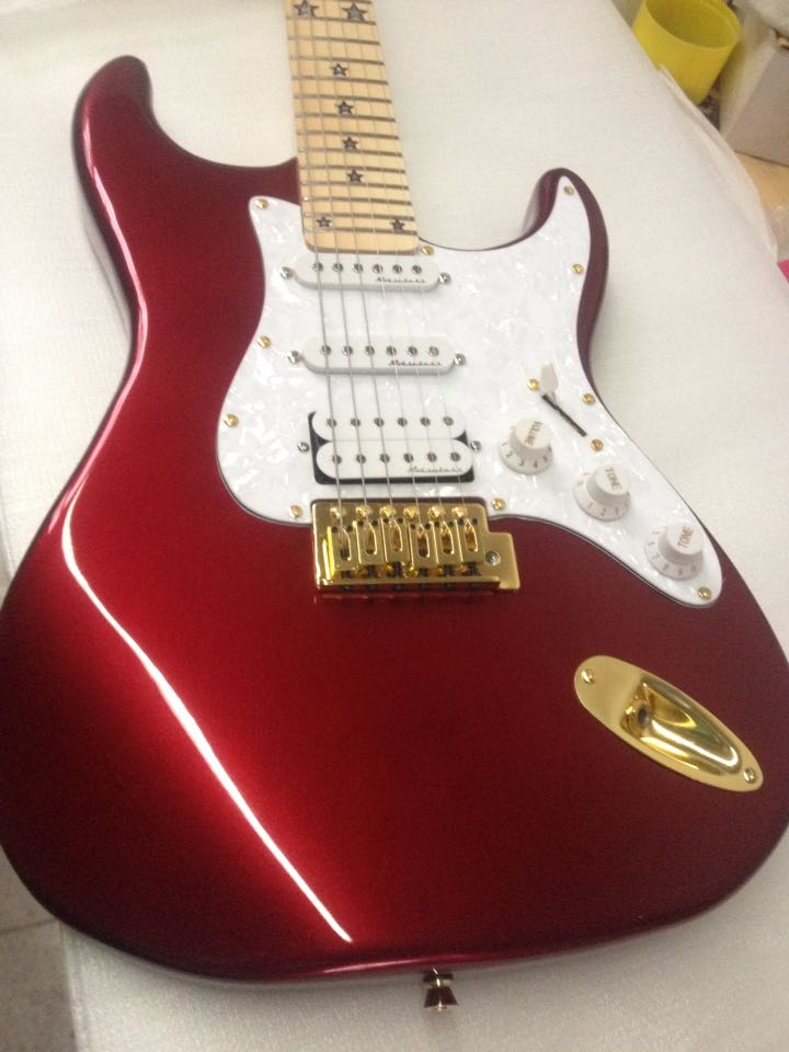 Electric Guitar Electric Guitar 2016 New St + Red + Electric Guitar / GUITAR WITH GOLD hardware in China