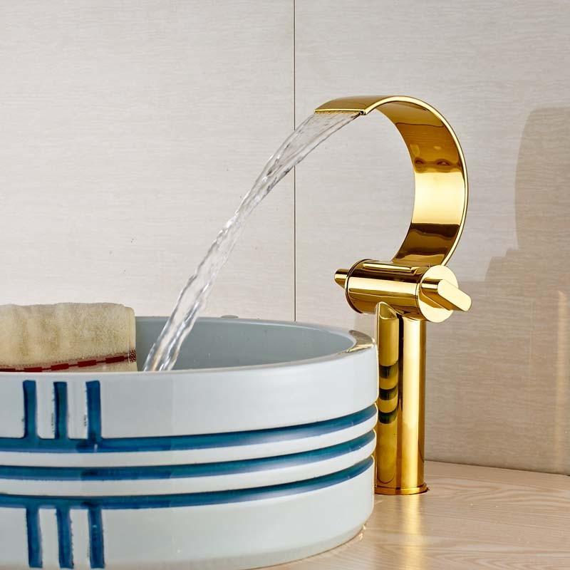 Купить Творческий Водопад C Форма Носик Ванной Бассейна Горячая и Холодная Вода Кран Двойной Ручкой Прилавок Смесители