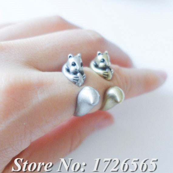 2015 New Fashion Vintage Silver Hippie Brass Knuckle Squirrel Ring Punk Mid Finger To Us Cute Animal Wedding Rings For Women Men(China (Mainland))