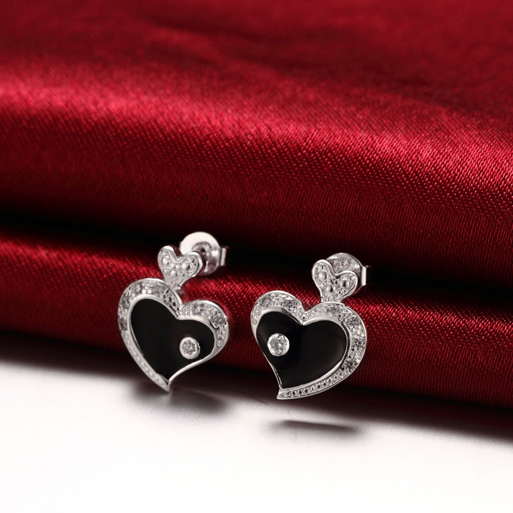 High quality Lovely Black paint Flashing Heart Stud Earrings Silver Plated With Zircon Tone Earrings For Women Free shipping(China (Mainland))